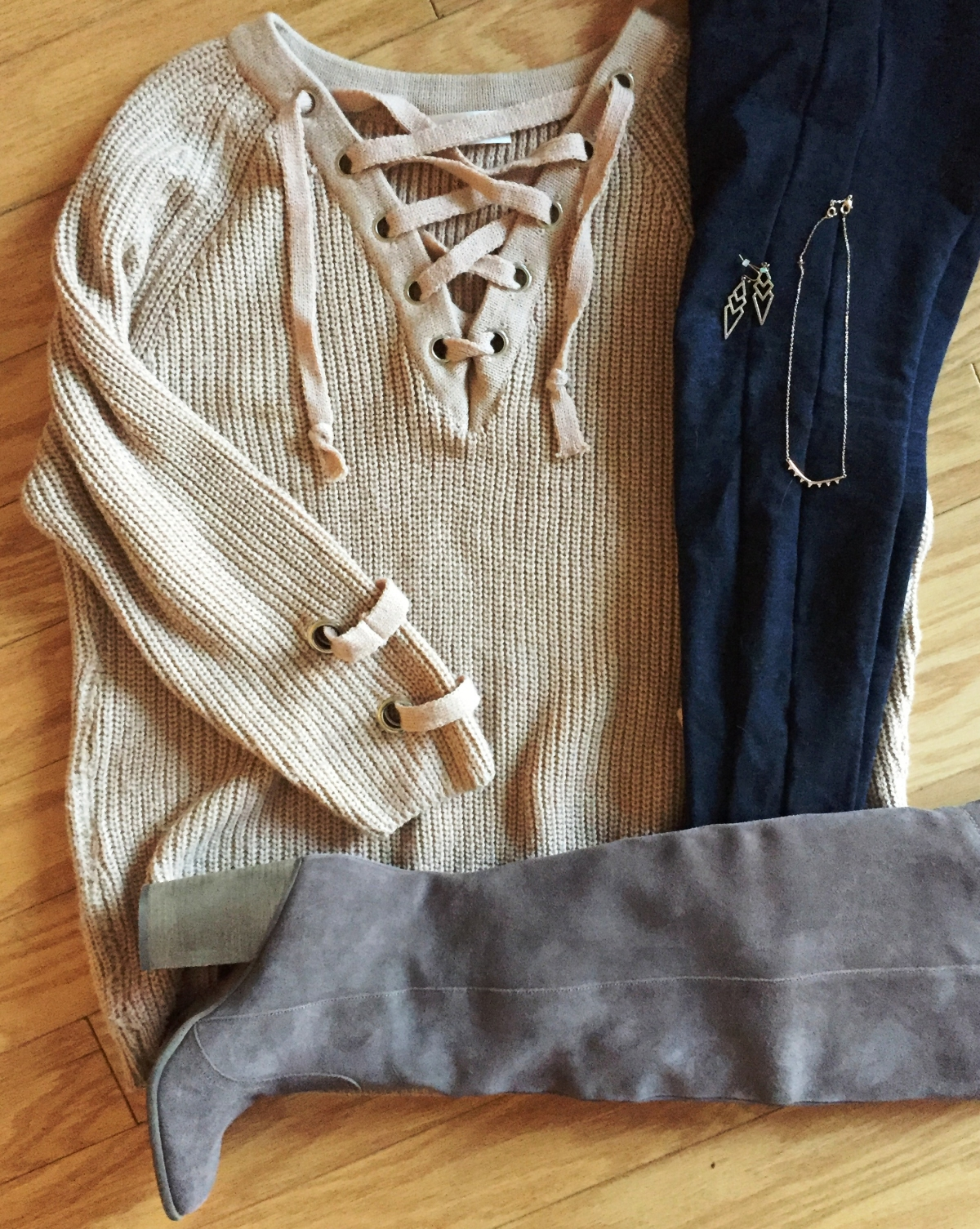 Fab Fall Outfit – Chunky Sweater &Leggings